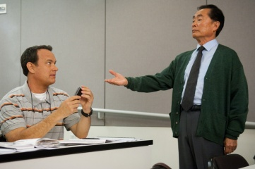 L'amore all'improvviso - (L to R): Tom Hanks 'Larry Crowne' e George Takei 'Dott. Matsutani' in una foto di scena - L'amore all'improvviso