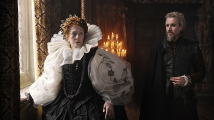 Anonymous - Vanessa Redgrave 'Regina Elizabeth I' con Rhys Ifans 'Edward de Vere' in una foto di scena - Photo: Reiner Bajo.