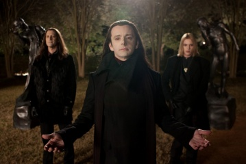 The Twilight Saga: Breaking Dawn-Parte 2 - (L to R): Christopher Heyerdahl 'Marcus', Michael Sheen 'Aro' e Jamie Campbell Bower 'Caius' in una foto di scena - The Twilight Saga: Breaking Dawn - Parte 2