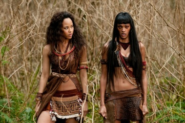 The Twilight Saga: Breaking Dawn-Parte 2 - (L to R): Tracey Heggins 'Senna' e Judith Shekoni 'Zafrina' in una foto di scena - The Twilight Saga: Breaking Dawn - Parte 2
