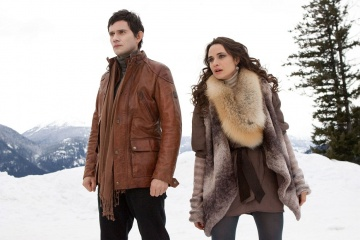 The Twilight Saga: Breaking Dawn-Parte 2 - Christian Camargo 'Eleazar' con Mía Maestro 'Carmen' in una foto di scena - The Twilight Saga: Breaking Dawn - Parte 2