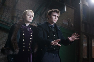 The Twilight Saga: Breaking Dawn-Parte 2 - Dakota Fanning 'Jane' con Cameron Bright 'Alec' in una foto di scena - The Twilight Saga: Breaking Dawn - Parte 2