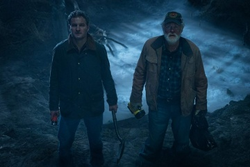 Pet Sematary - (L to R): Jason Clarke 'Louis Creed' e John Lithgow 'Jud Crandall' in una foto di scena - Pet Sematary