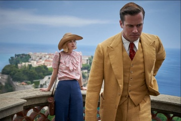 Rebecca - Armie Hammer 'Maxim de Winter' con Lily James 'Mrs. de Winter' in una foto di scena - Rebecca