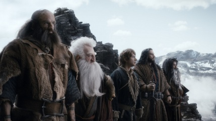 Lo Hobbit: La desolazione di Smaug - (L to R): Graham McTavish 'Dwalin', Ken Stott 'Balin', Martin Freeman 'Bilbo Baggins', Richard Armitage 'Thorin Oakenshield' e William Kircher 'Bifur' in una foto di scena - Photo Credit: Courtesy of Warner Bros. Pictures.