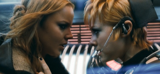 Sucker Punch - (L to R): Abbie Cornish 'Sweet Pea' e Jena Malone 'Rocket' in una foto di scena.