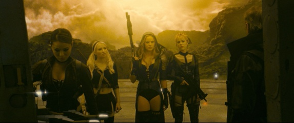 Sucker Punch - (L to R): Jamie Chung 'Amber', Emily Browning 'Babydoll', Abbie Cornish 'Sweet Pea' e Jena Malone 'Rocket' in una foto di scena.