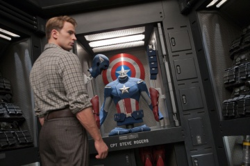 The Avengers - Chris Evans 'Steve Rogers/Captain America' in una foto di scena - Photo Credit: Zade Rosenthal.
