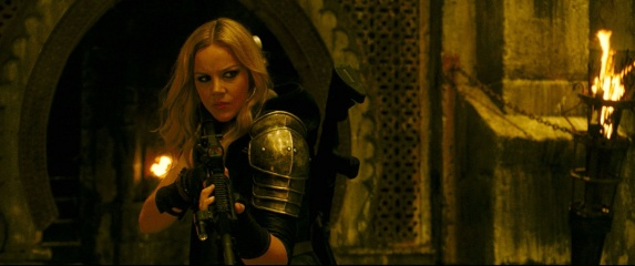 Sucker Punch - Abbie Cornish 'Sweet Pea' in una foto di scena - Photo Credit: Courtesy of Warner Bros. Pictures.