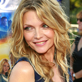 MICHELLE  PFEIFFER Michelle%20Pfeiffer%2013_41_L