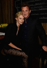 CHARLIZE THERON e SEAN PENN 2014 1 - Music