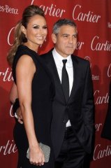 George Clooney e Stacy Keibler 2012 4 - Home