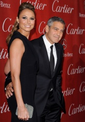George Clooney e Stacy Keibler 2012 3 - Home