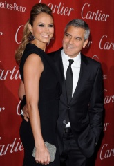 George Clooney e Stacy Keibler 2012 2 - Home