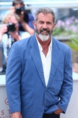 MEL GIBSON CANNES 2016 3 - Home