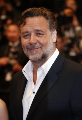 RUSSELL CROWE CANNES 2016 2 - Acciaio