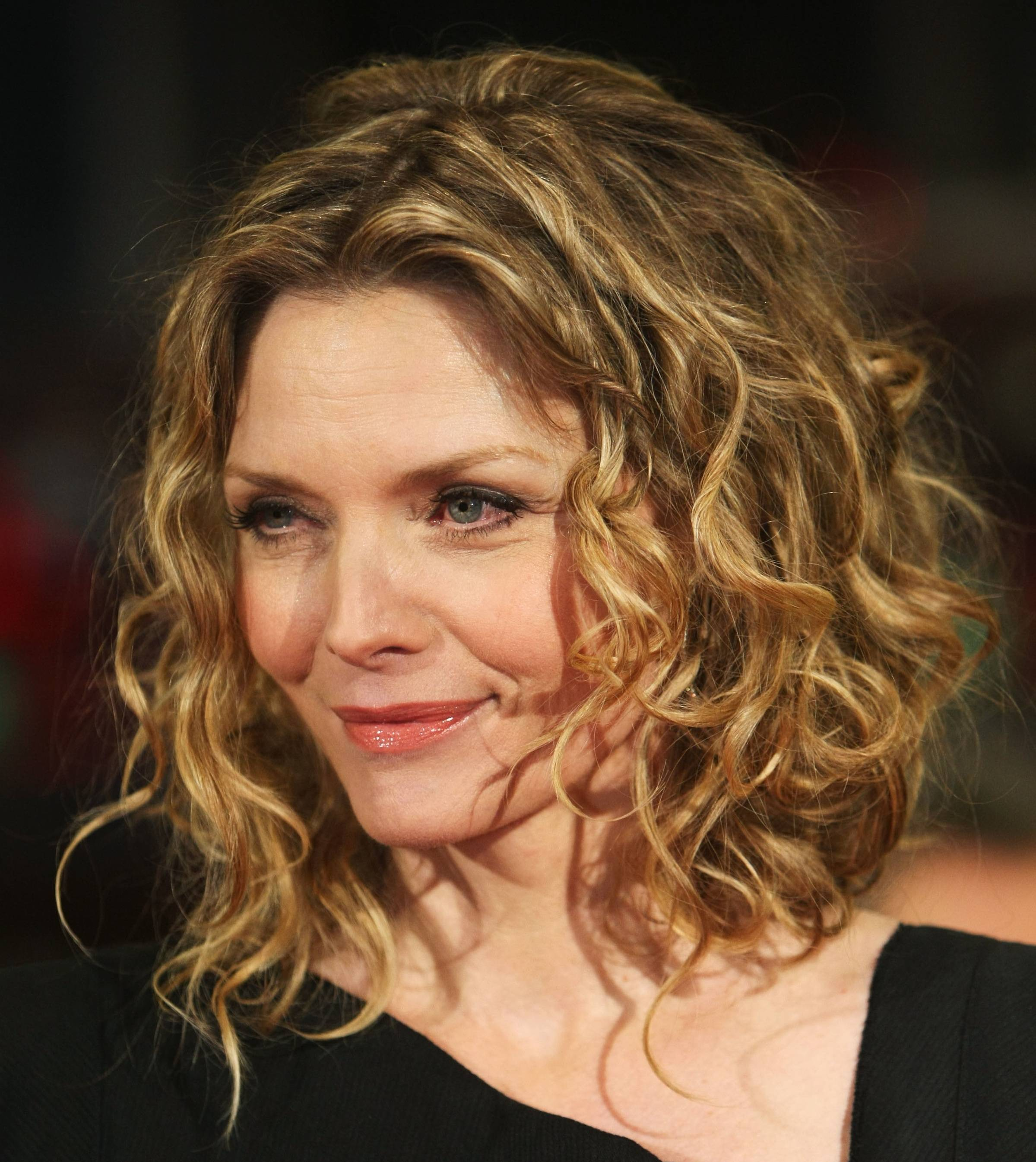 Pin Michelle Pfeiffer Hot Picture Photo on Pinterest