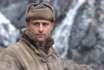 The Way Back - Mark Strong 'Khabarov' in una foto di scena - The Way Back