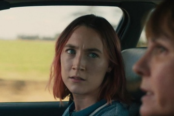 Lady Bird - (L to R): Saoirse Ronan 'Christine (Lady Bird) McPherson' e Laurie Metcalf 'Marion McPherson' in una foto di scena - Lady Bird